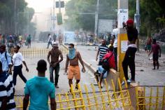 tres-muertos-en-protestas-contra-alza-de-combustibles (1)